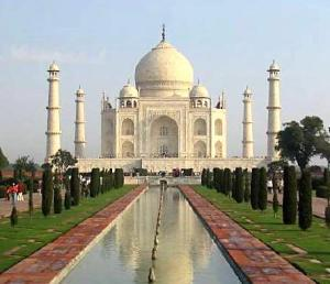 https://mariasunarto.files.wordpress.com/2012/02/taj-mahal-agra5.jpg?w=300